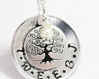 FAMILY TREE NECKLACE. Family Initials. Tree Necklace. Initial Necklace. Family Jewelry. Mothers Gift. Mothers Day. Valentines.Gift for her.