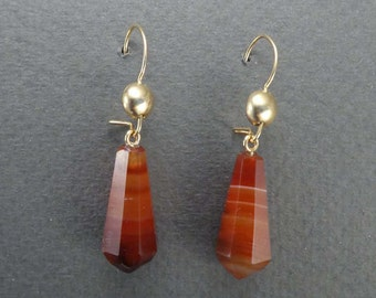 10K Agate Drop Earrings