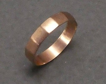 14K baby facetted band ring size .5   #8