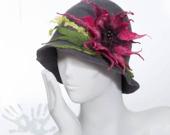 Felted hat / Gray hat with flower  / Wool and silk / Cloche hats  / Felt Hat 1920s / Ready to ship / Nuno felt/ Free shipping.