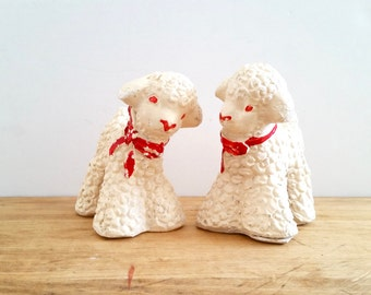 Two Sweet Sheep . Pair of Vintage Lambs . Plaster Chalkware Animals . Shabby Chippy . Spring Decor . Nursery Decor .