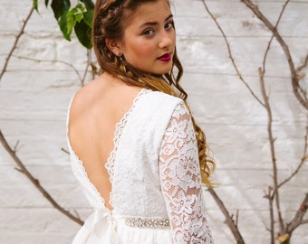 Short wedding dress. Lace wedding dress. Backless wedding dress. Open back wedding dress. Boho wedding dress. Bohemian wedding dress.