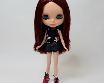 Blythe Outfit : Skull Shirt and Shorts