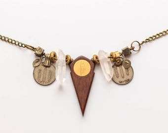 Wooden talhakimt | Tribal fusion bellydance necklace | Raw crystal jewelry