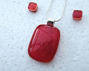 Red Berry - Beautiful fused glass pendant and stud earring set