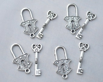 4 Set Key and Lock Toggle Clasp Antique Silver Tone 2 Sided  YD1244
