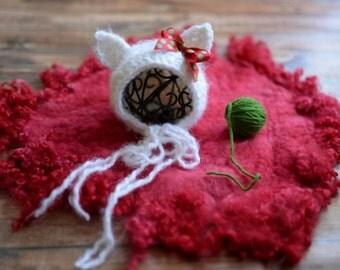 Newborn Christmas kitten bonnet, cat hat, newborn cat bonnet, kitten costume, Newborn kitten prop, Christmas prop, newborn Christmas outfit
