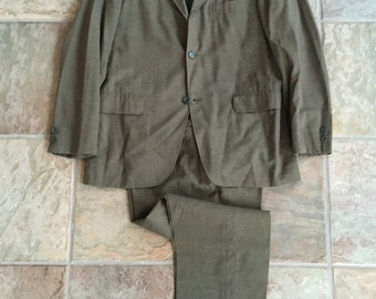 1960s CRICKETEER Brown Worsted Wool Sack Suit 38R 3/2 Roll Ivy League Trad