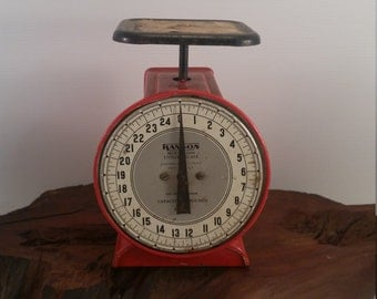 Hanson Utility Scale, Red Hanson Kitchen Scale, Vintage Hanson Utility Scale 25lb Capacity, Vintage Kitchen Decor, Old Scale in Red Black