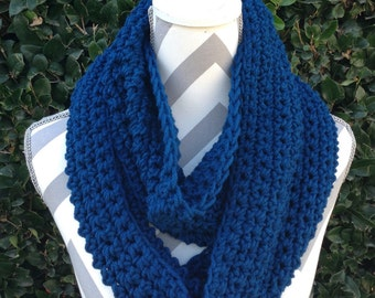 Infinity Scarf / Crochet Infinity Scarf / Cowl Scarf / Blue Infinity Crochet Scarf / Neck Warmer / Circular Scarf / Crochet Accessories