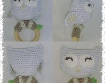 Hochet hibou owl rattle au crochet handmade toy .