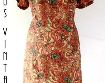 "Plus Size UK 20 1960s Vintage Bronze  Green Silky Wiggle Dress Paisley Psychedelic Mod Mad Men EU 48 US 16 Bust 46"" 117cm"