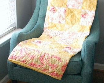 Pink and Yellow Lap Quilt, Summer Floral Throw Quilt, Bright and Sunny Twin Size Quilt, Pink Flower Bed Quilt, Elegant Living Room Throw