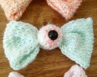 Knitted Eyeball Bow Accessory