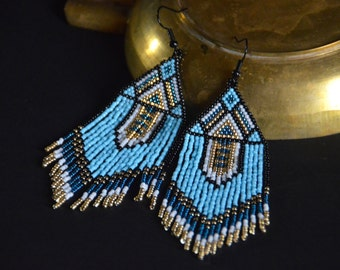 Beaded earrings, seed bead earrings, Native American style, boho earrings, fringe earrings, beadwork jewelry, ethnic style, tribal earrings