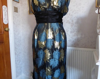 Dramatic 1970s John Charles ball gown evening dress metallic floral fabric size M vintage