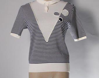 Vintage cream / navy knit top