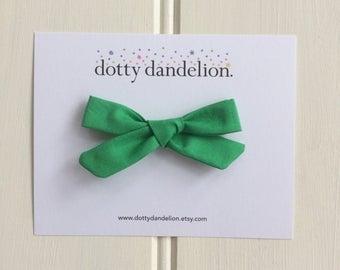 Green Hair Bow | Emerald Hair Clip, Hair Bow Clip, Girls Hair Bow, Girls Hair Clip, Green Bows, Green Hair Bows, Green Hair Clips