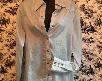 Western, True vintage, size 38, 1960's, Wrangler for females, light blue cowgirl shirt, pearl snaps, flowers. Rockabilly