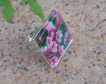Photo flower ring,  adjustable ring, photo ring, botanical ring, square ring, nature ring, floral ring, garden ring, pink, glass jewelry