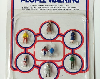 Vintage Life-Like 1128 People Walking Scale Train Scene
