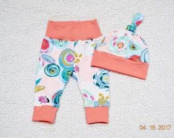 Baby Girl Outfit, Flowers Blooms Baby Leggings, Floral outfit, Baby Shower Gift, Take home Outfit, Baby Gift