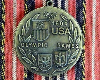 Olympics Medal --  1904 St. Louis Olympic Games Replica  .. Large French Souvenir , France Figural Memorabilia