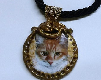 Necklace with portrait of your cat