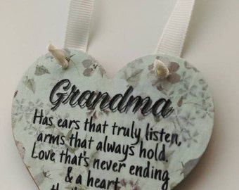 Gift for grandma, hanging heart, hanging wall plaque, shabby chic, gift for her, mothers day gift, birthday gift, home decor, keepsake gift