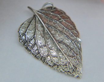 Silver Leaf Pendant, Leaf Necklace, double sided leaf pedant, Nature pendant, silver leaf, leaf jewellery, Silver leaf, Large leaf (UK)