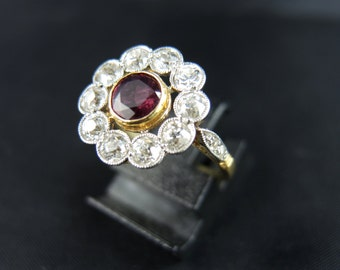 Marguerite rubies and diamonds - late 19th century ring / / / Cluster ring with a ruby and diamonds - Late 19th