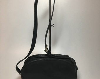 Authentic Vintage Coach Glove Tanned Black Leather Crossbody Shoulder Bag Purse Handbag Made in New York City USA Excellent Condition