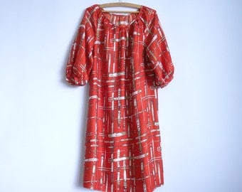 Vintage Women Dress/ Red Dress with Belt Writings Print/ Dress with Short Sleeves /Summer Dress/70s