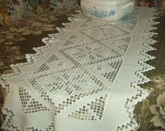 great vintage table runner, hand embroidered.