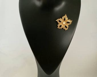 SALE! Christian Dior Vintage flower with faux pearl brooch