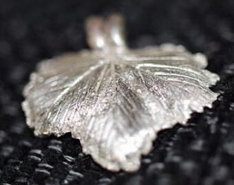 Löv i silverlera