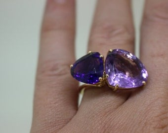 Ring unique gold and amethysts