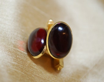 Red Glass Gold Tone Anson Oval Cuff Links J2-004