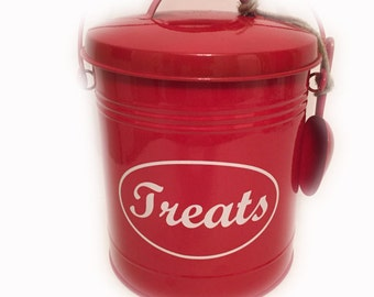Personalized Pet Treat Bucket with Scooper