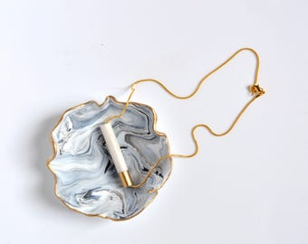 Shimmering White & Gold necklace