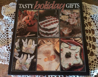 Tasty Holiday Gifts Book 1993   Cookbook  Halloween  Easter  Fathers Day Christmas Valentines St. Patrick's Day