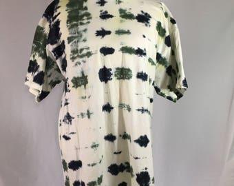SALE 10.00 !!!!!! Men's Tie-Dye T-Shirt X-Large