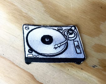 TURNTABLE PATCH - DJ Deejay Record Player | Boyfriend - Girlfriend | Jacket - Backpack | Hand Embroidered / Handmade