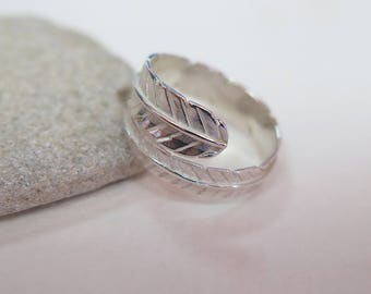 Silver Feather Ring - Feather Ring - Dainty Silver Ring - Statement Ring - Promise Ring - Silver Ring - Feather Jewelry - Open Ring