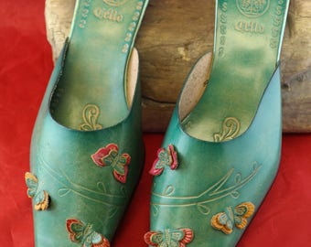 Unused Vintage Alfredo Versace Green Mexican Style Slip on Low Heel Leather Shoes Size 9M