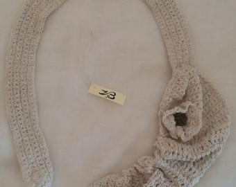 Necklace flower cotton, contemporary, crochet jewelry, jewelry crochet crochet, asimmetrica, contemporary, white, bohemian.