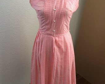 Stylish 1950's pink and white checkered vintage dress by Tacy Ame
