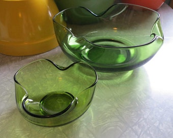 Vintage Glass Bowls for Chips and Dip by Anchor Hocking! 2 Piece Set in Green!