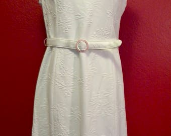 Vintage White Shift Dress w/matching Belt