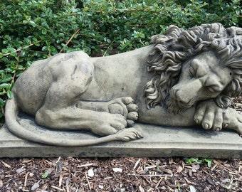Q 08 art sandstone antique look lying lion sculpture